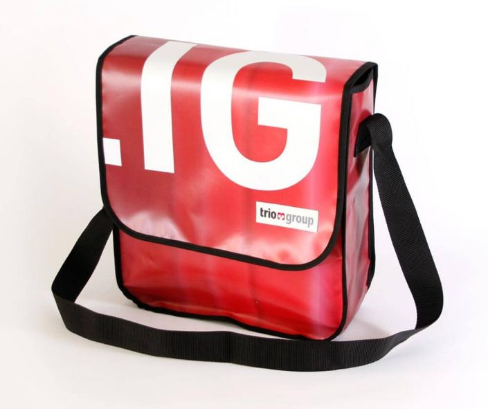 Messager Bag aus recyceltem Banner