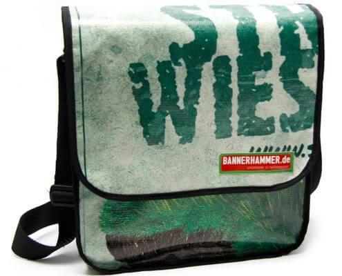 Streuobstwiesenretter - Bembel with Care: Upcycling Tasche aus alter Werbeplane