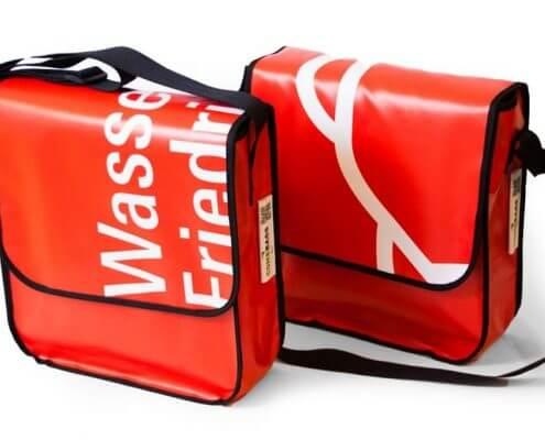 Plane als Wegweiser nun Recycling Taschen