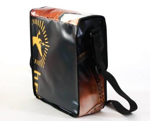 Upcycling Taschen aus Fronlit sind sehr beliebt