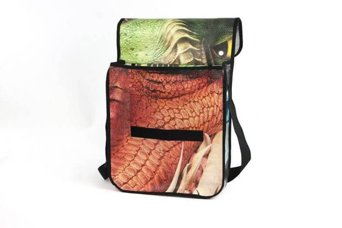"Ein Banner von ""How to train your dragon"" wurde zur Recycling Tasche"