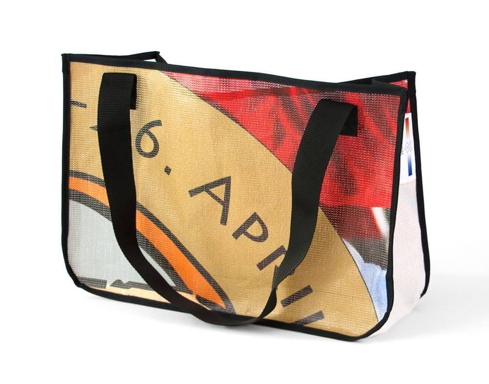 Recycling Tasche aus Spannband des Albert Schweizer Turniers,