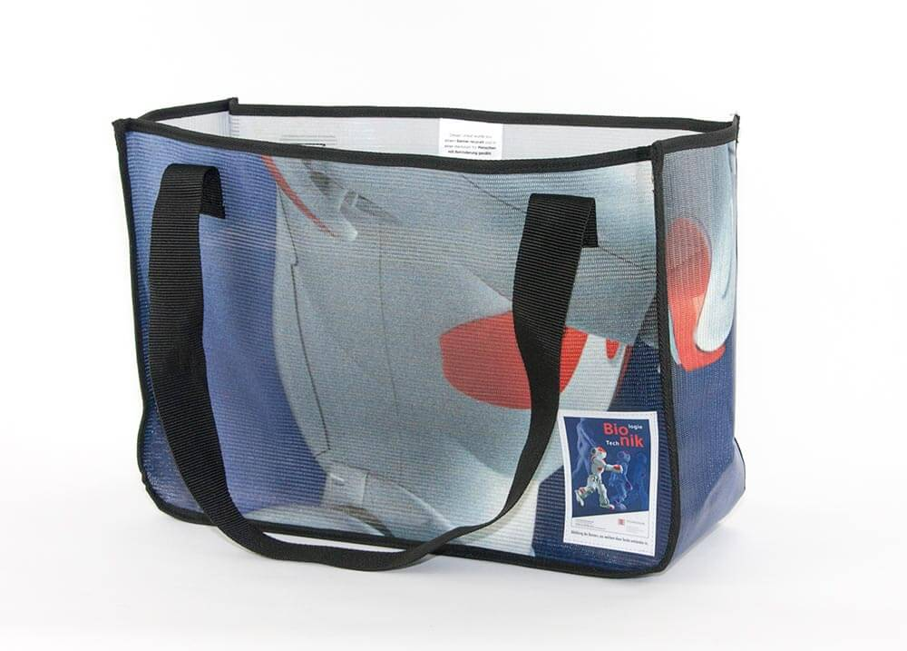 Upcycling Tasche aus Mesh-Banner
