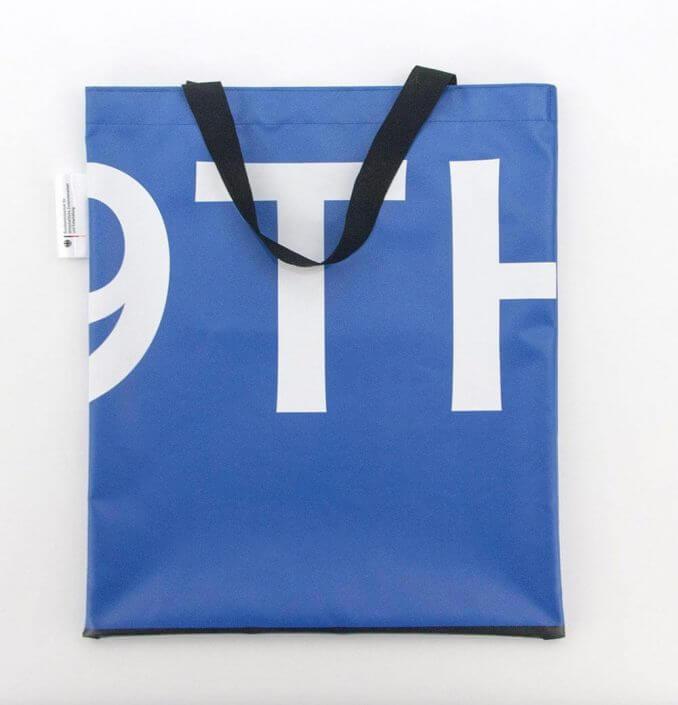 Jutebeutel als Recycling Tasche aus einem Backdrop