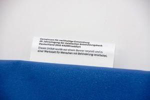 Stofffahne an der Recycling Tasche