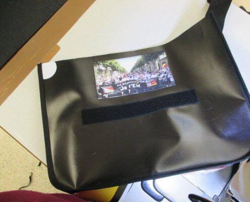 Näharbeiten für die Upcycling Messanger Bags für den DFB - Der Fan Club Nationalmannschaft