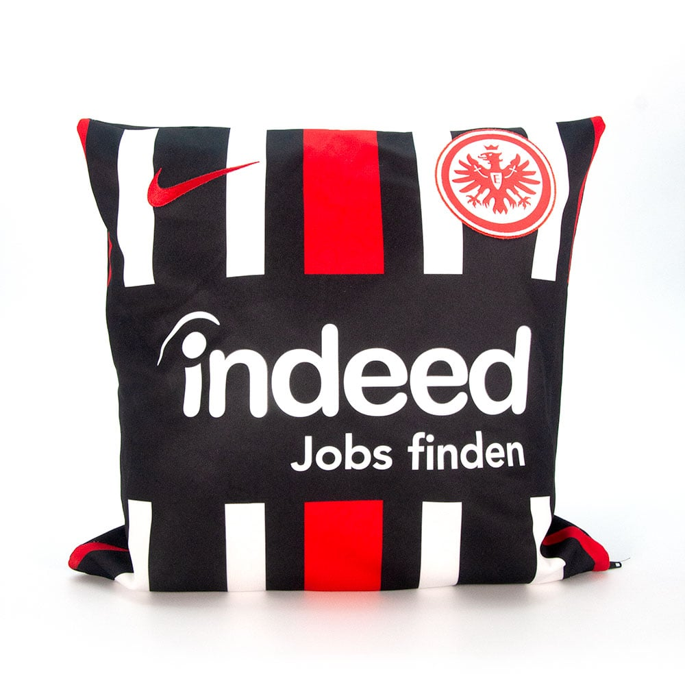 Couch Kissen aus Fussball Trikot furch Recycling Upcycling